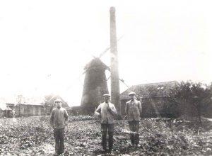 Mühle Böckenhoff in Nichten mit Müller Josef Böckenhoff (um 1920)